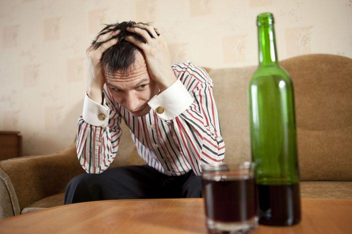 Как вывести из запоя без ведома больного в домашних условиях